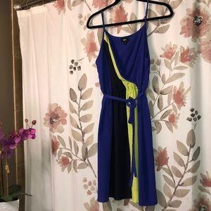 Faux wrap top colorblock dress